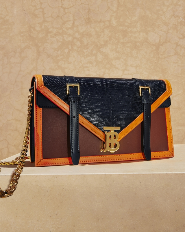 http://studio-baron.com/files/gimgs/148_2019aw19augustaccessoriesrgbcropped12.jpg
